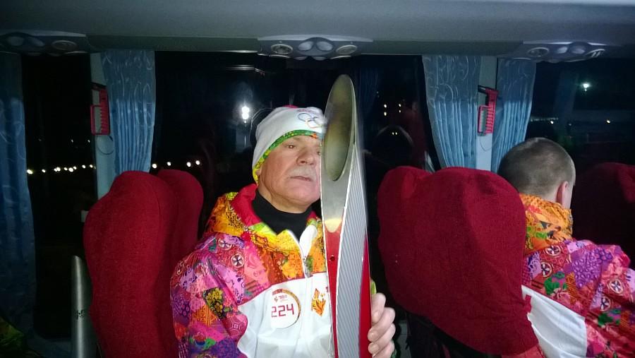 Resize of WP_20131203_044, Олимпийский огонь, Аксанов Нияз, блогеры, kukmor, путешествия, фотография, sochi2014, Сочи2014, олимпиада,  Эстафета Олимпийского огня, Барнаул, Алтайский край
