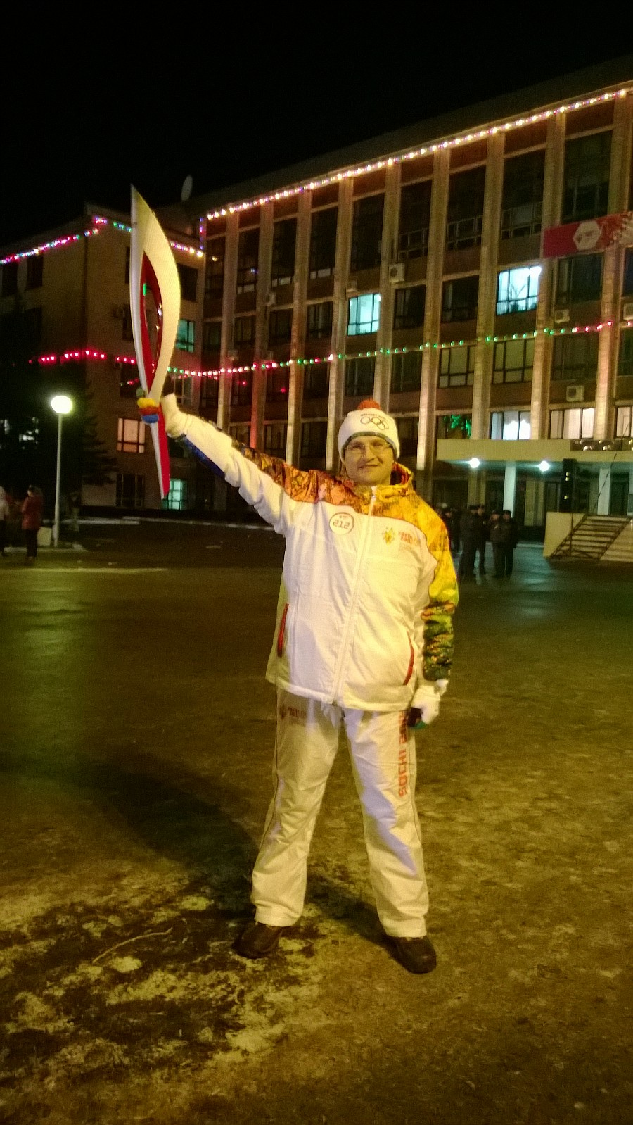 Resize of WP_20131203_048, Олимпийский огонь, Аксанов Нияз, блогеры, kukmor, путешествия, фотография, sochi2014, Сочи2014, олимпиада,  Эстафета Олимпийского огня, Барнаул, Алтайский край