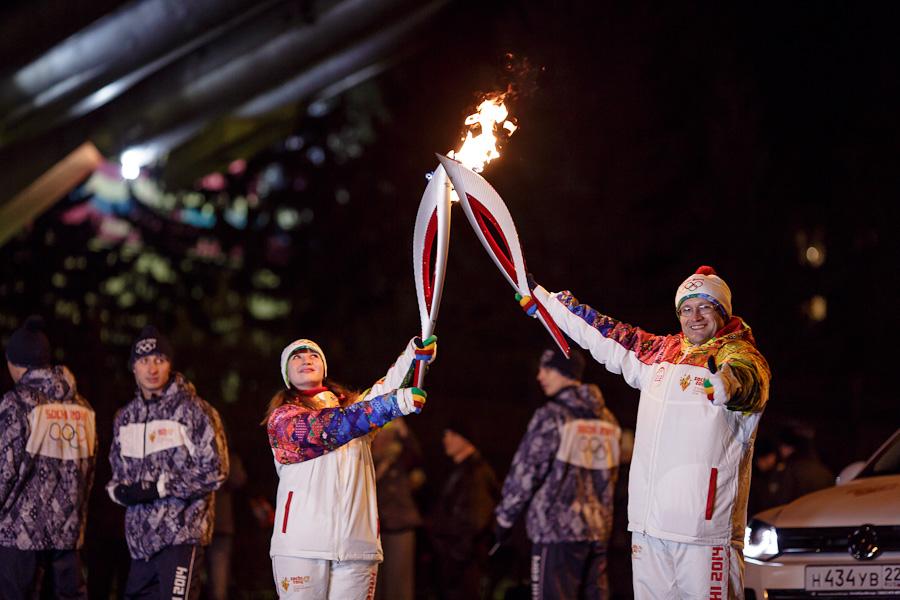 Resize of WP_20131203_049, Олимпийский огонь, Аксанов Нияз, блогеры, kukmor, путешествия, фотография, sochi2014, Сочи2014, олимпиада,  Эстафета Олимпийского огня, Барнаул, Алтайский край