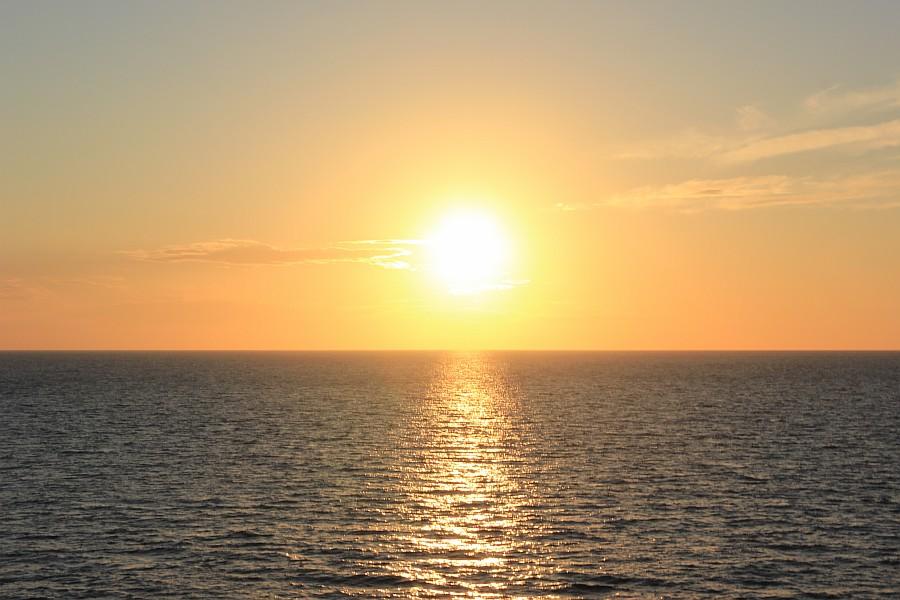 Закат, море, Хорватия, путешествия, красота, фотография, Аксанов Нияз, kukmor, яхта, яхтинг, мачта, жж, lj,  of IMG_4065