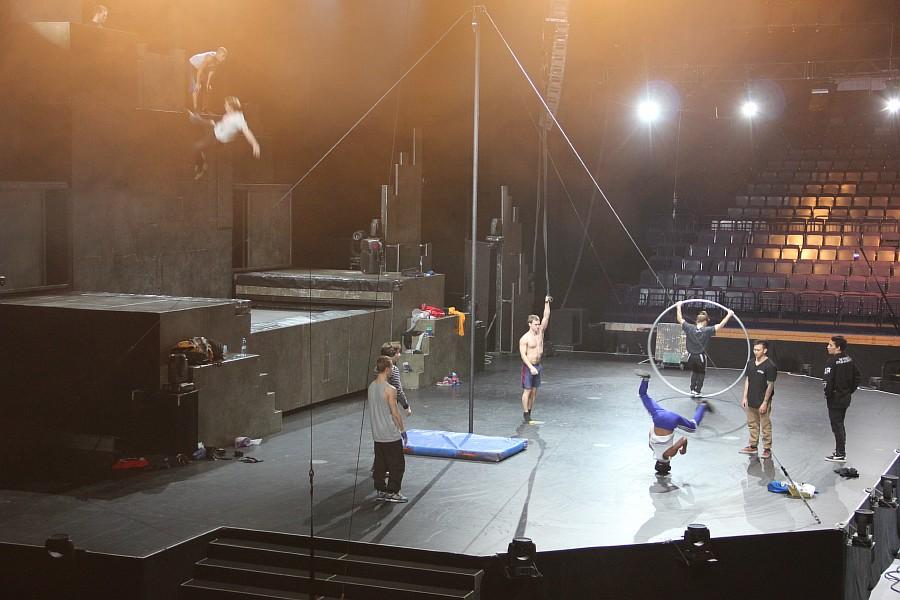 Казань, фотографии, Cirque Eloize, шоу ID, Аксанов Нияз, цирк, репетиция,  of IMG_4010