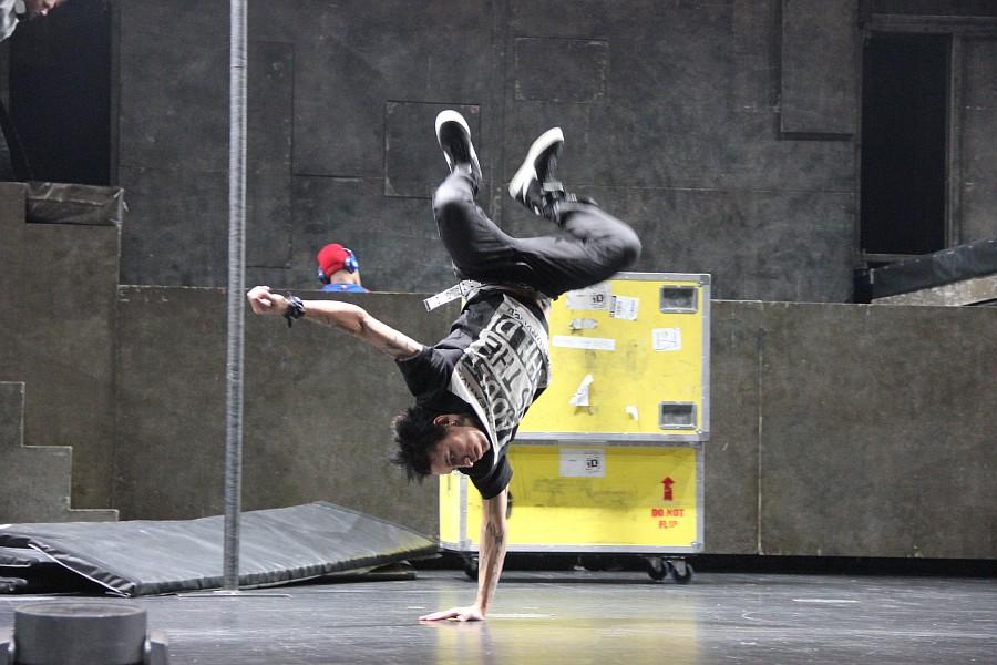 Казань, фотографии, Cirque Eloize, шоу ID, Аксанов Нияз, цирк, репетиция,  of IMG_4013