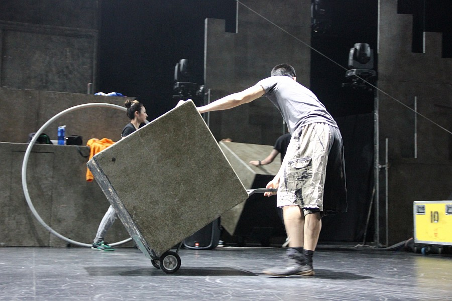 Казань, фотографии, Cirque Eloize, шоу ID, Аксанов Нияз, цирк, репетиция,  of IMG_4104