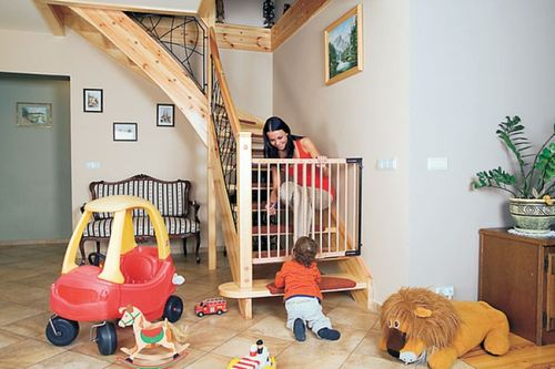 Главный вопрос в будущем новом доме. Как закрыть от ребенка проход на лестницу?