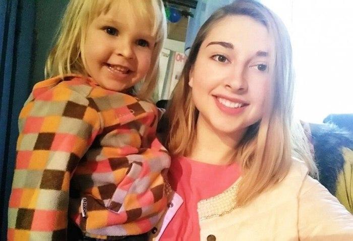После смерти родителей 20-летняя девушка взяла под опеку ШЕСТЕРЫХ братьев и
