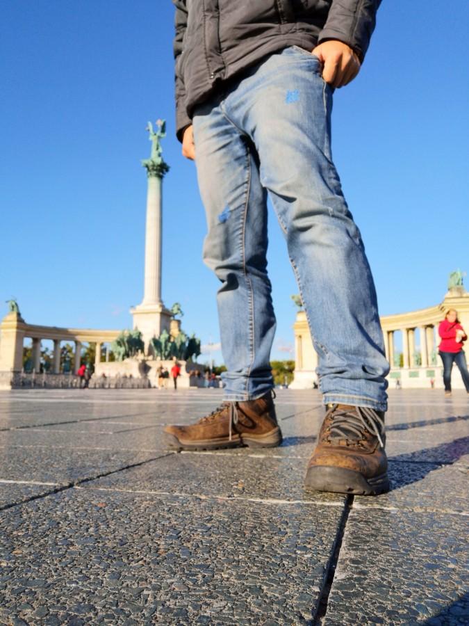 В новомодных handmade портках по европейской столице