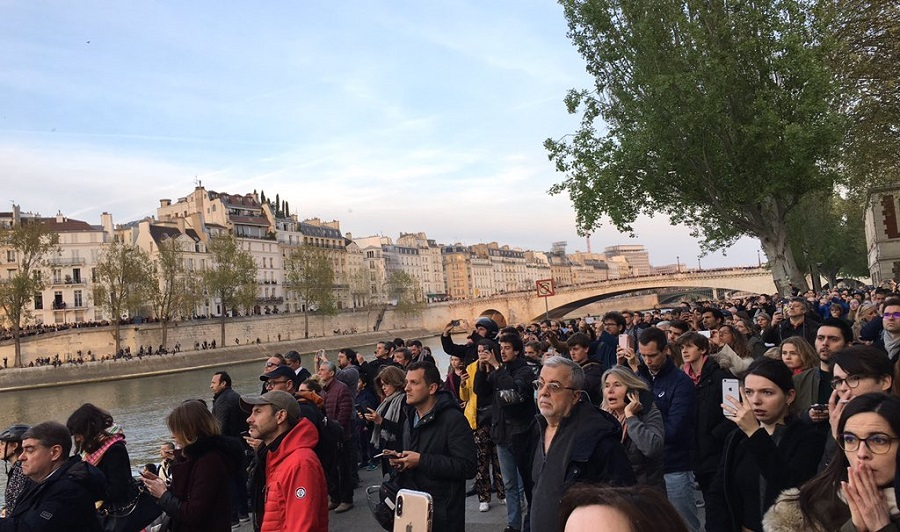 Похоже Собору Парижской Богоматери... Увы кабздец,уже заявили: «от собора точно