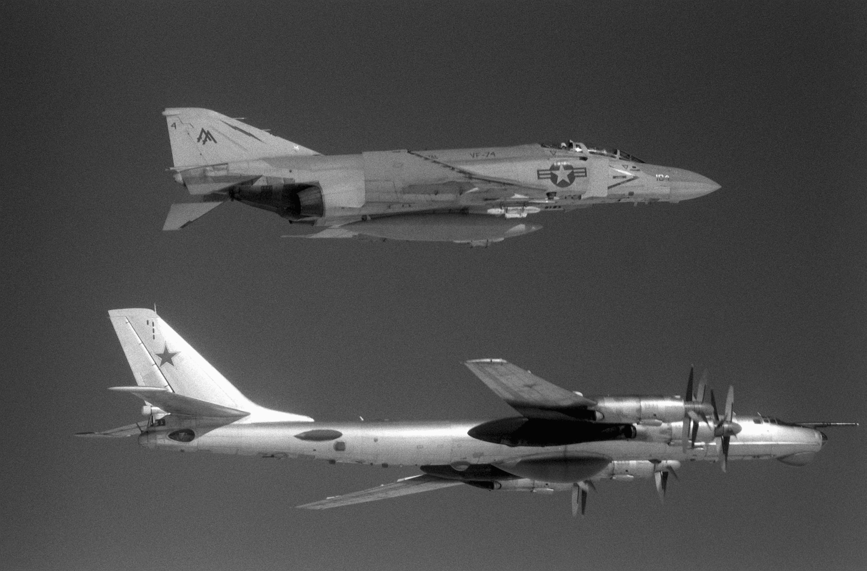 F-4S_VF-74_Tu95D_1982