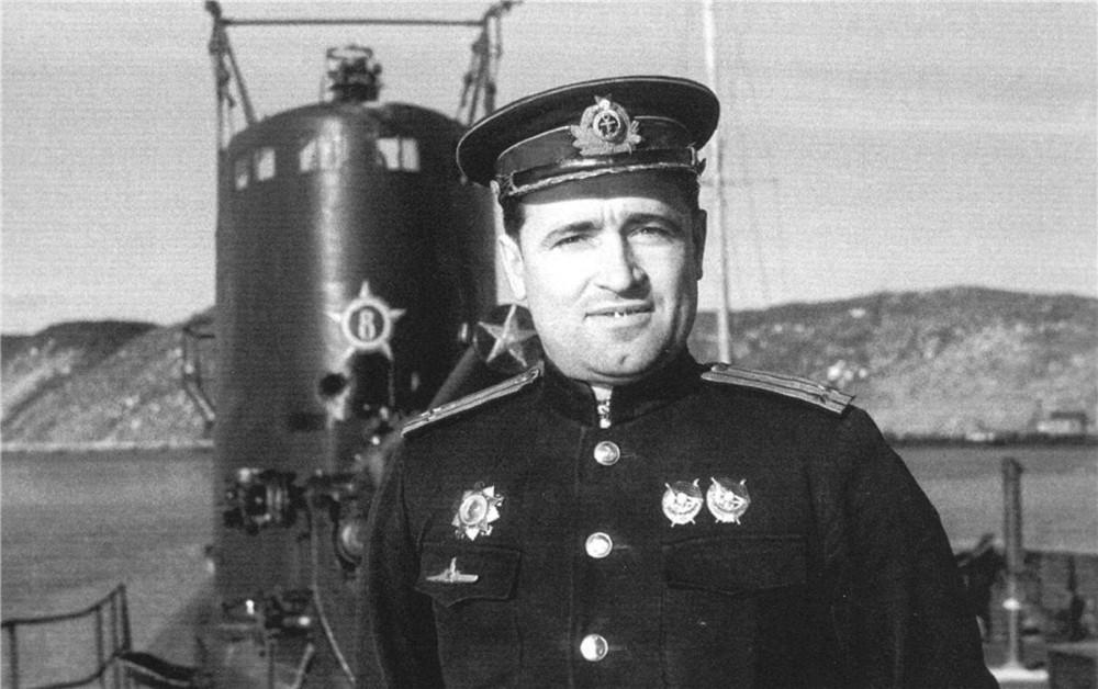 Дизельная подводная лодка. IX-бис серии. (С-56). -  Командир «С-56» Г.И.Щедрин - 4
