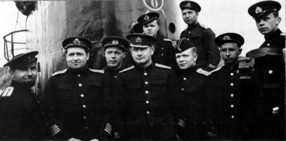 Дизельная подводная лодка. IX-бис серии. (С-56). -  Командный состав «С-56», 1944 г. . - 10