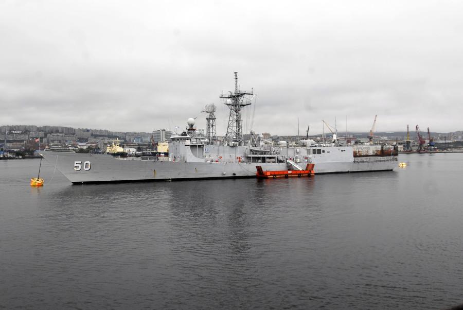 USS Taylor (FFG-50).Murmansk Russia - 1