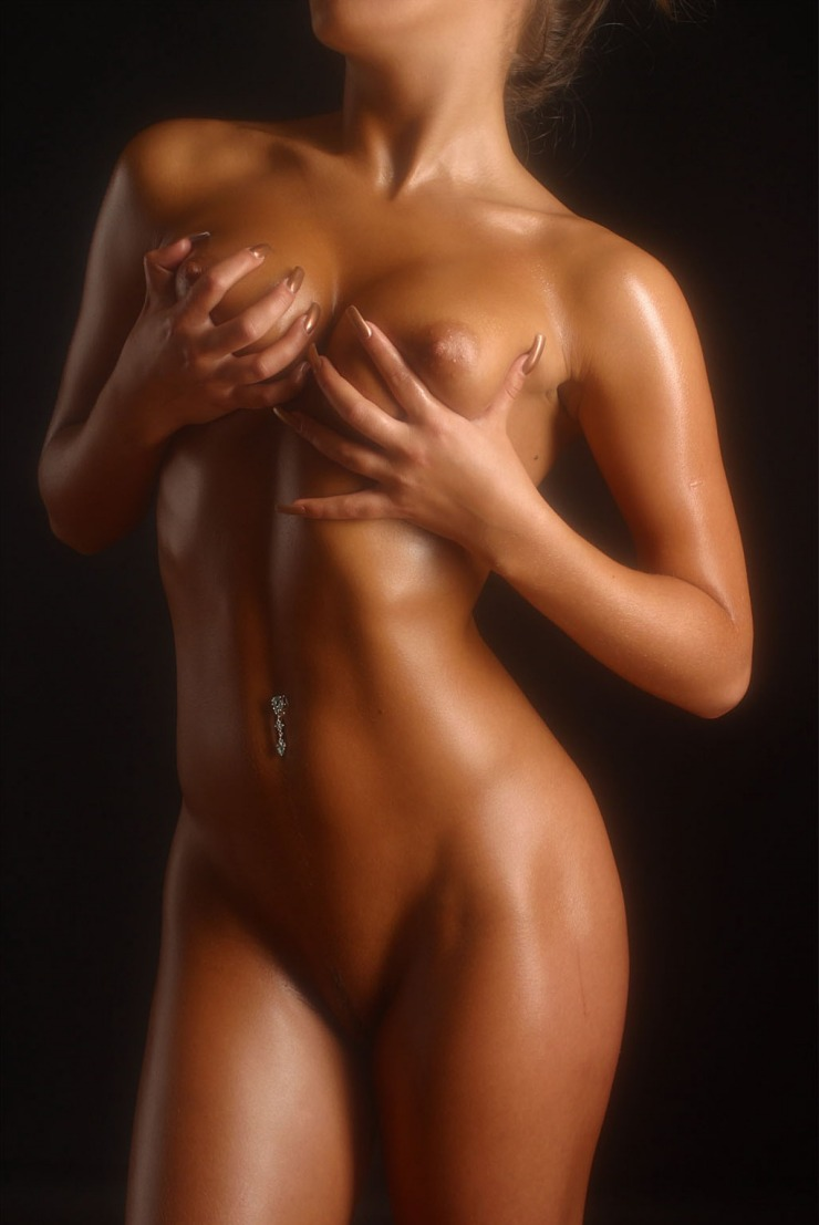 Fofy unique women nude body