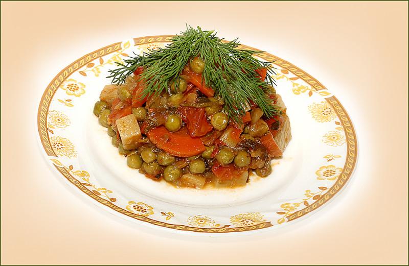 Новоафонское овощное рагу с зеленым горошком и картофелем (замор. горошек)