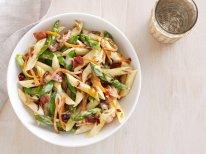 весенний салат со спаржой