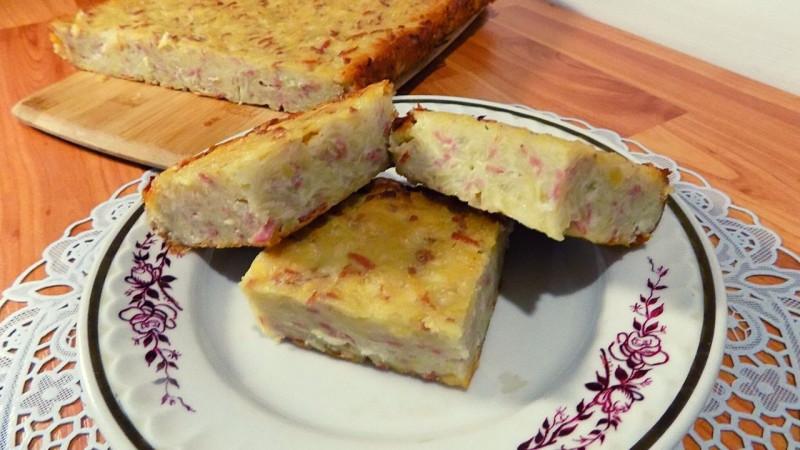 Запеканка из картофеля с сыром и сосисками