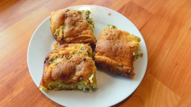 Заливной пирог с начинкой из капусты и фарша