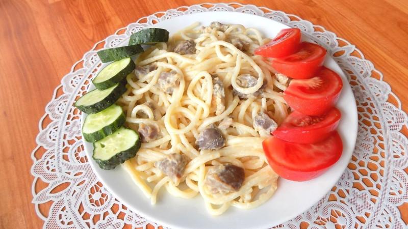 Спагетти с куриными желудками
