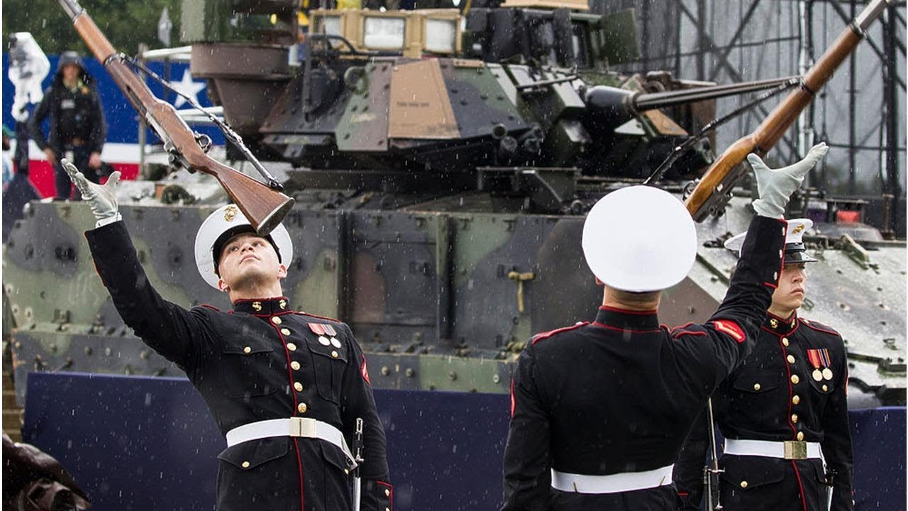 Почему в США не проводят военные парады 4 июля