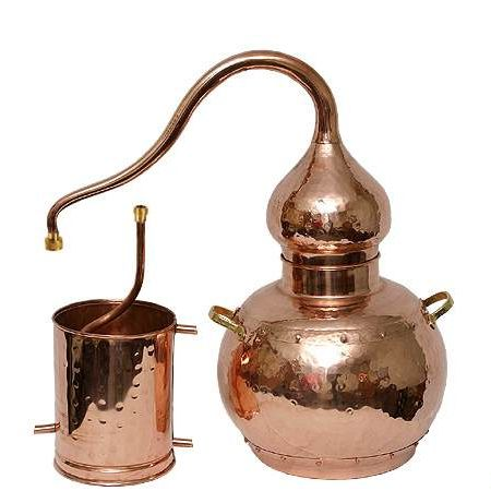 Медный аламбики  используются для производства благородных дистиллятов виски, коньяк, граппа, кальвадос, сливовица, чача и т.д.