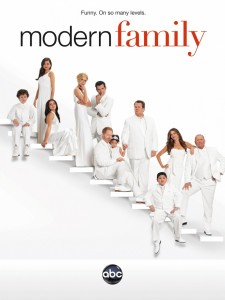 kinopoisk.ru-Modern-Family-2132828