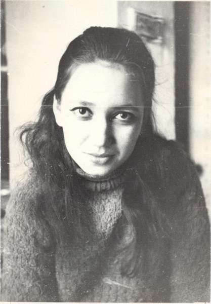 ВЕРА КУРЧАТКИНА январь 1970, дача зимовье Семхоз0001.jpg