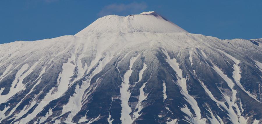 Кратер вулкана Тятя.