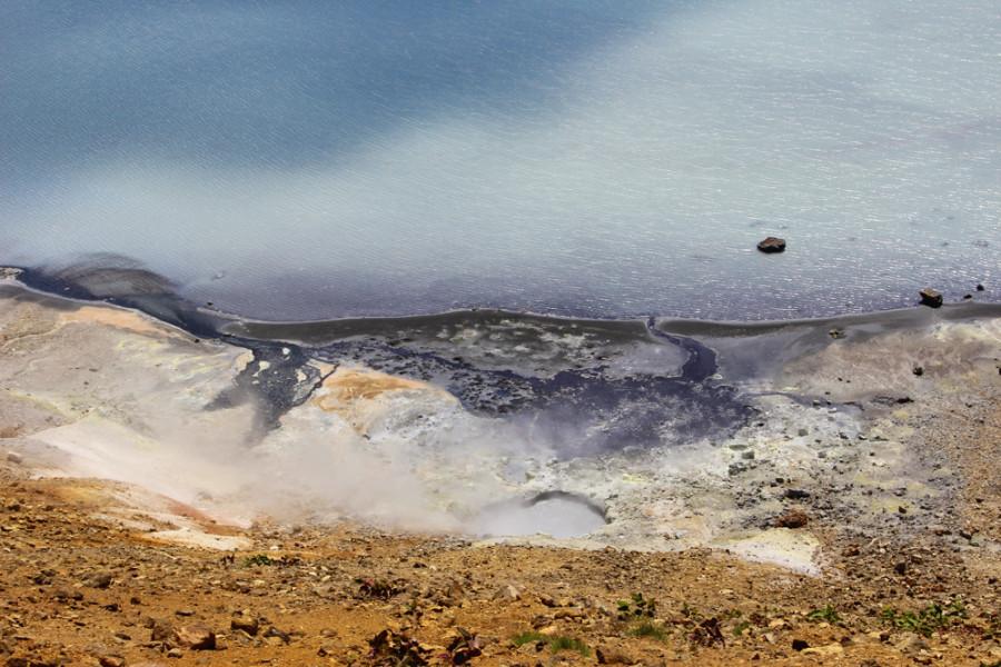 Сольфатары озера Кипящее.