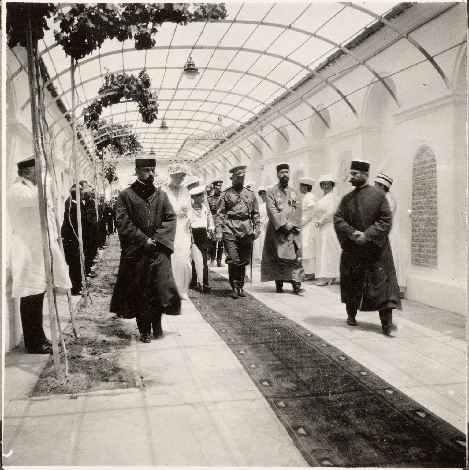 Посещение еврейской сенагоги в Евпатории. Император и Цесаревич