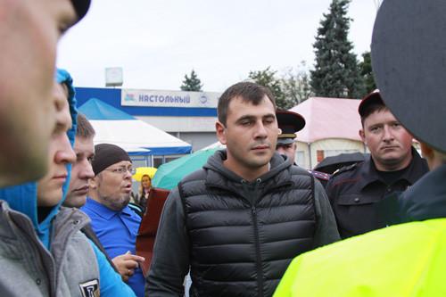 ''православные активисты'' общаются с полицией