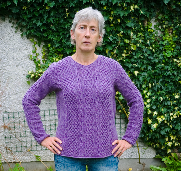 А вот и я с новым аранским свитером!