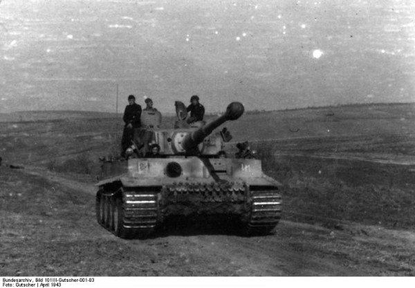 Bundesarchiv_Bild_101III-Gutscher-001-03,_Russland,_SS-Division_-Das_Reich-,_Tiger-Panzer