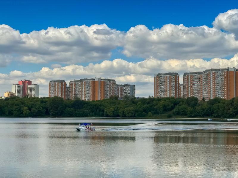 02. Одноимённый район — Борисовские пруды. Небольшой район между, собственно, прудами и Москвой-рекой.