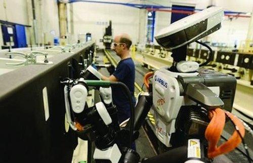 интеграция гуманоидных промышленных роботов HIRO