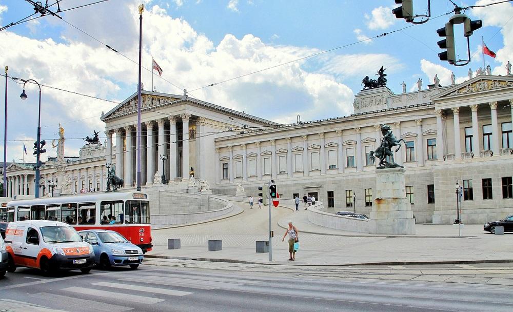 01.Австрийский парламент