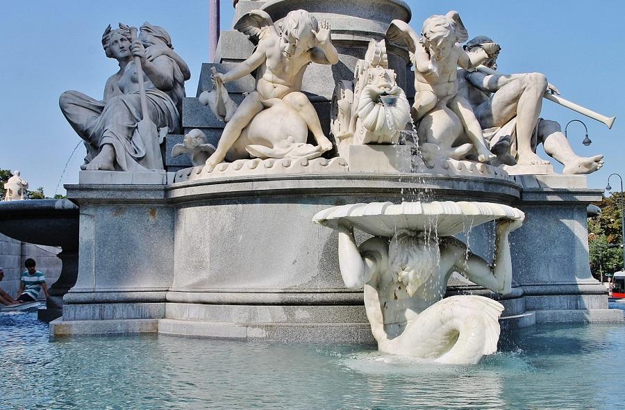 03. фонтан