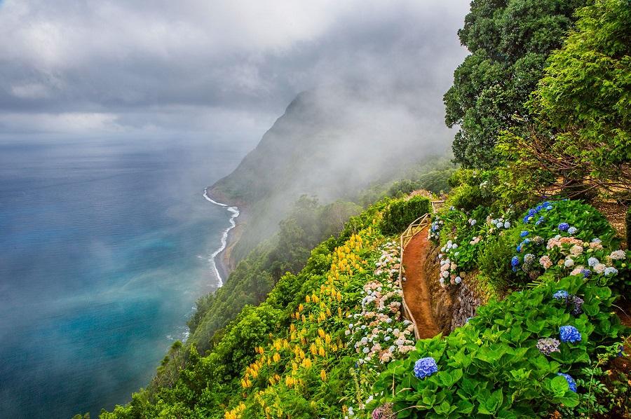 09. Miradoudo Da Ponta Da Madrougada