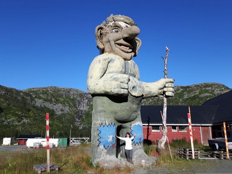 04. Огромный Тролль встречает всех на въезде в Норвегию