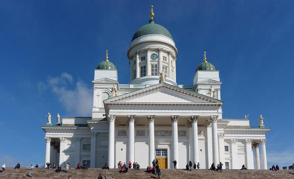 01. Собор Святого Николая и Сенатская площадь. Главная церковь в Хельсинки и самый центр города.