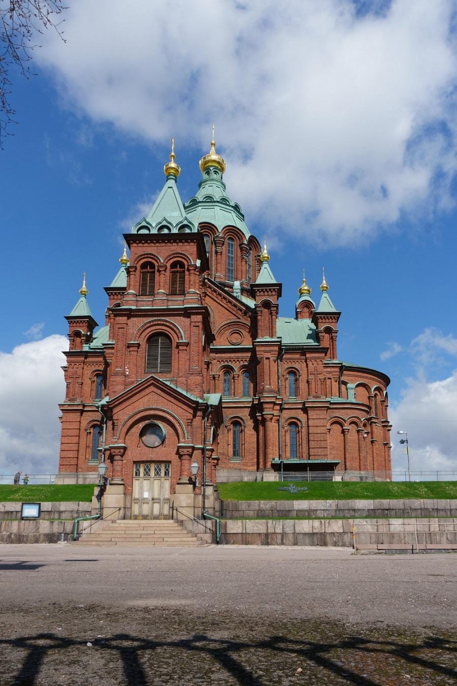 04. Успенский собор. Православный храм Хельсинки. Собор удобно расположен около рыночной площади.