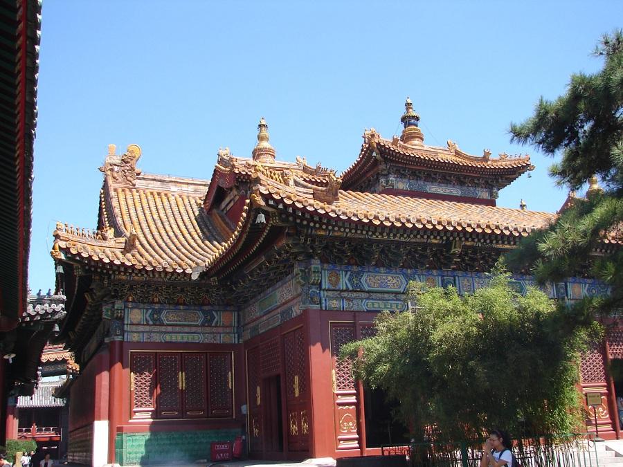 09.Зато вычурность традиционной китайской архитектуры просто зашкаливает. Причём вне зависимости от вероучения.