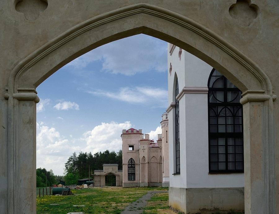 02.В 2008 году началась реставрация дворца.