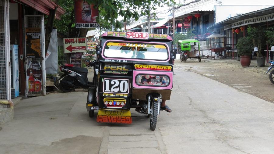 07.так и более тюнингованные варианты. Это местная разновидность бюджетного мото такси