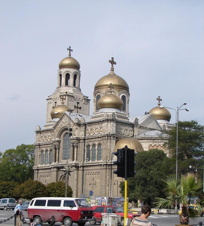 04.Варненский кафедральный собор. Православный. Но почему-то кресты тевтонские.