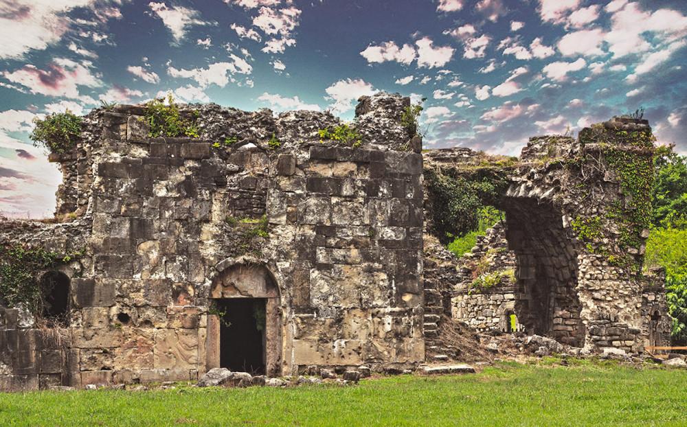 04 руины