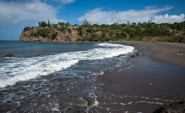 Фоторепортаж: Чёрные пески острова Монтсеррат