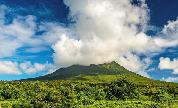 Фоторепортаж: Сент-Китс и Невис - острова, укрытые дымкой облаков