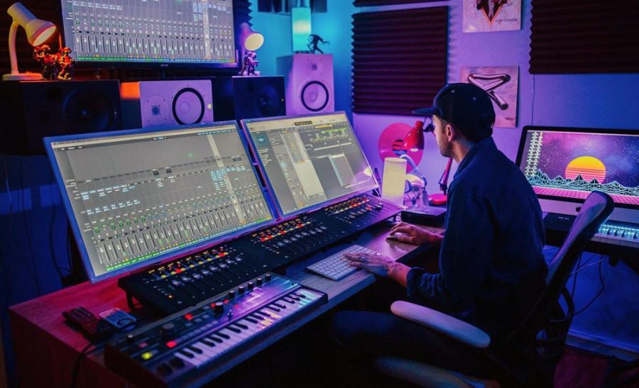 music-studio-scaled