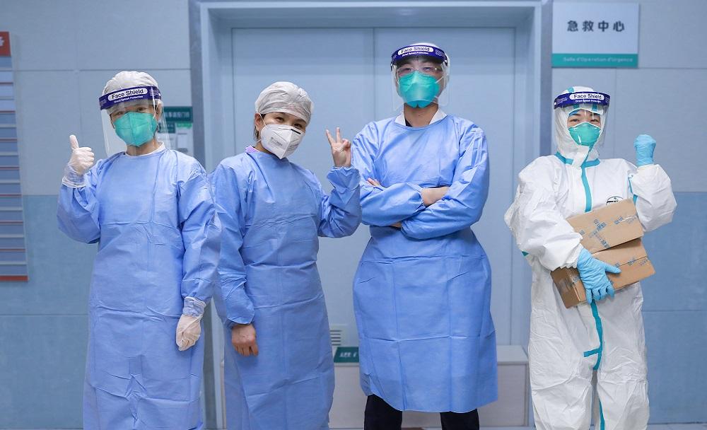 врачи в борьбе