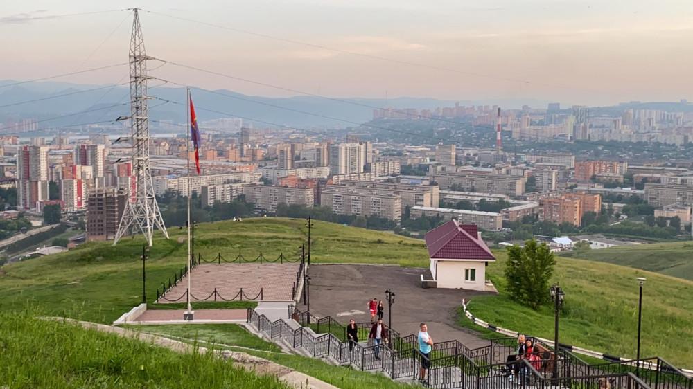 Виды Красноярска со смотровой площадки Караульной горы 68