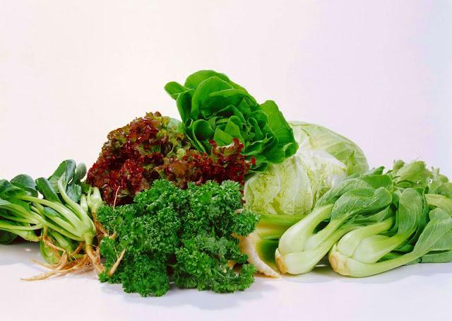 Салатно-шпинатные овощи в фото